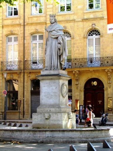 Aix statue