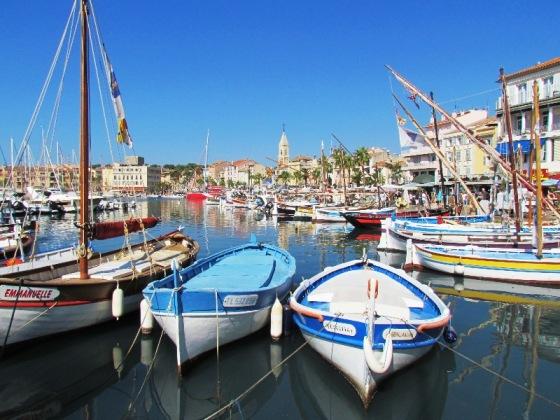 Sanary port
